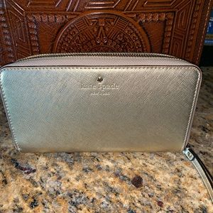 NWOT KATE SPADE ZIP WALLET WRISTLET IN GOLD ❤️